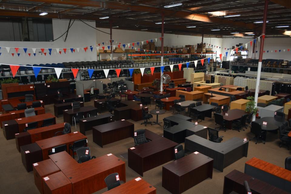 Showroom | Surplus Office Sales | Ontario, CA